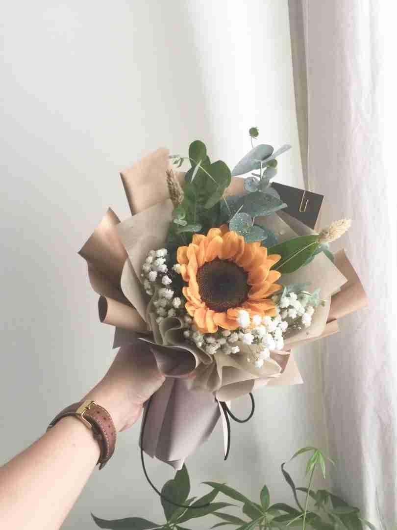 Walking on Sunshine – Sunflower Bouquet - Whyzee Birthday ...