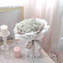 Snow White – Baby Breath Bouquet