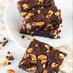 Vegan chocolate walnut brownie | Whyzee Birthday Cake Delivery