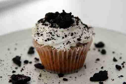 Oreo Cupcake - Whyzee Birthday Cake Delivery