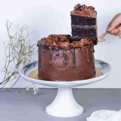 eggless chocolate cake slice