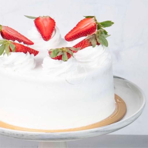 fresh cream eggless cake side