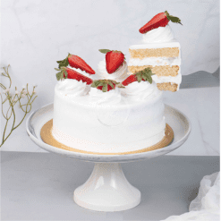 fresh cream eggless cake slice