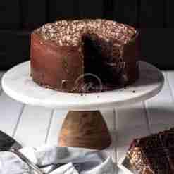 premium chocolate fudge cake