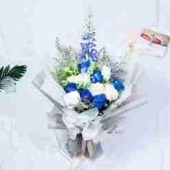 Winter Magic - Blue and White Kenya Rose Rose Premium XL Bouquet
