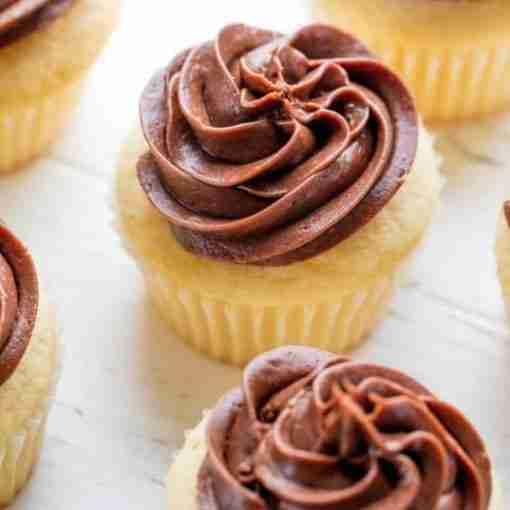 Eggless Chocolate Vanilla Cupcakes