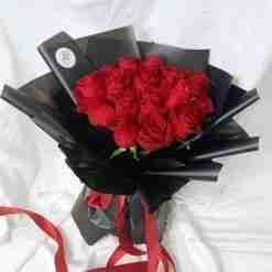 Red Romance - 16 Kenya Rose Bouquet