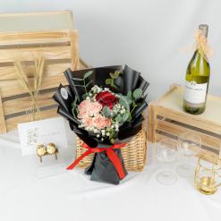 Adoring Touch – Rose Bouquet 2